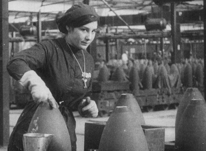 Women Bombmaker in WW1