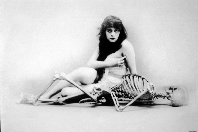 Theda Bara publicity for A Fool There Was directed by Frank Powell